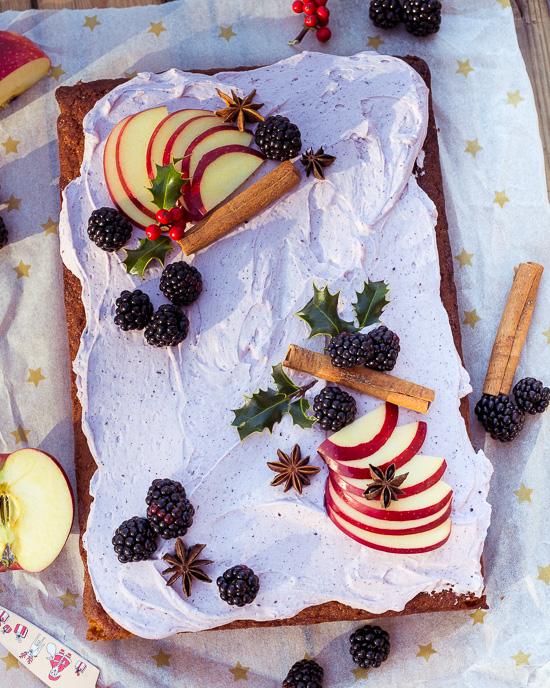 Das Icing von diesem glutenfreien Rührkuchen ist eine Mascarponecreme