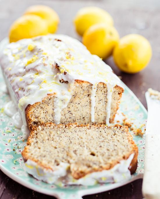 Lemon Drizzle Cake aus Backen Mit Love in einer veganen Variante