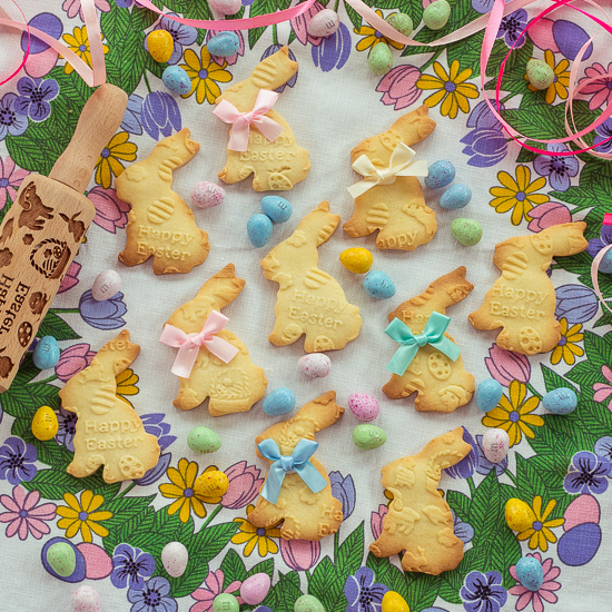 Diese Oster Cookies sind aus dem Spitzbuben Rezept von School of Baking