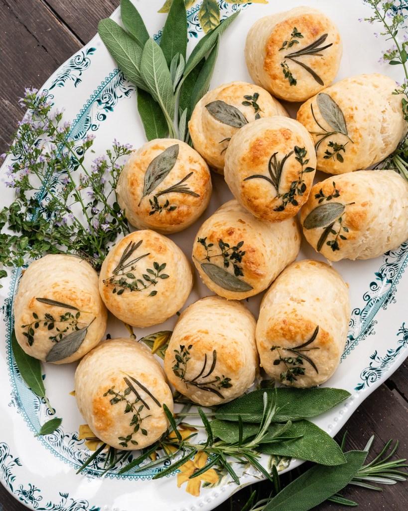 Die Käsescones aus meinem Buch School of Baking