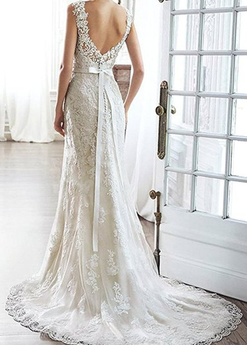 Lace V-Back Sweetheart Neckline Wedding Dress