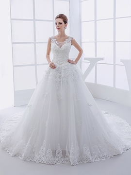 Beautiful Appliques Scoop Wedding Dress