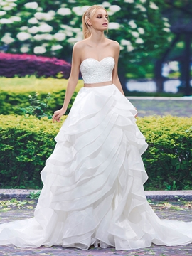 Beautiful Sweetheart Tiered A Line Lace Wedding Dress