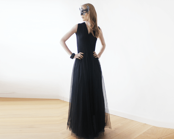 Black sleeveless tulle maxi dress 1076
