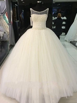 Charming Scoop Beading Ball Gown Wedding Dress