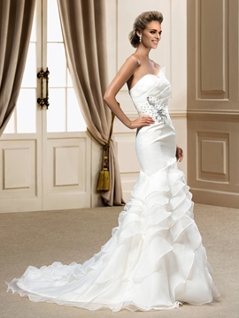 Romantic Sweetheart Ruffles Court Train Trumpet-Mermaid Wedding Dress