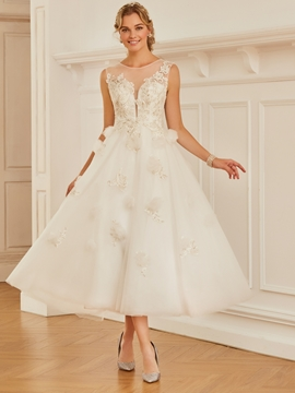 Scoop Appliques Tulle Tea Length Wedding Dress