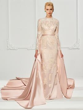 Cute Sheath Scoop Neck Applique Lace Evening Dress With Watteau Train