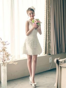Pretty Jewel A Line Lace Short Bridesmiad Dress