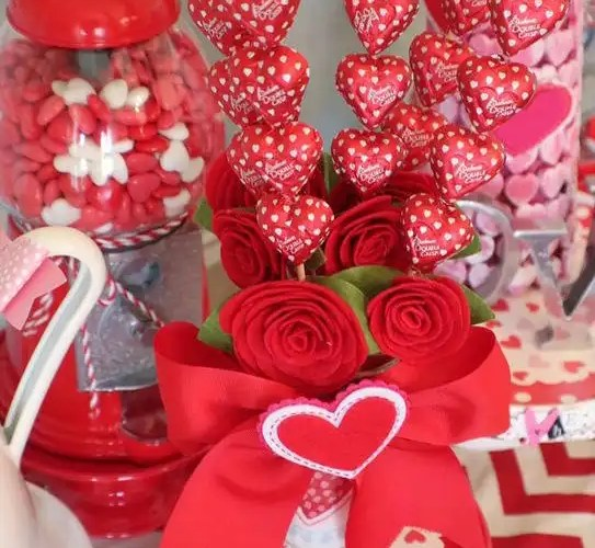 I Heart Valentine's Tablescape - Gallery Slide #14