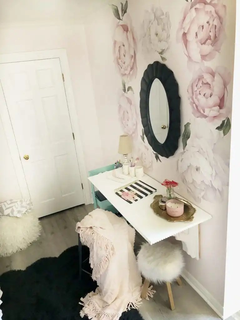 DIY desk for kids room