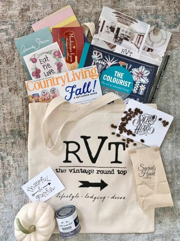Swag bag from The Vintage Roundtop