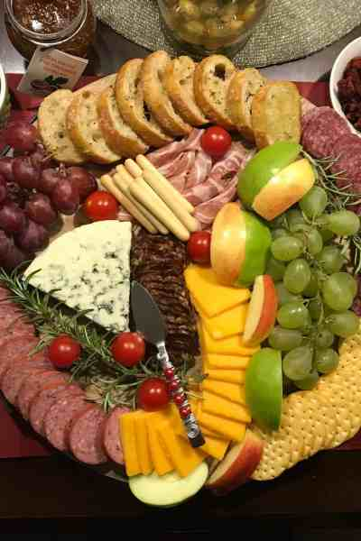 The Perfect Holiday Cheese Board and Appetizer Spread