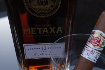 Hoyo Epicure 2 Metaxa 12 Star Review Pairing