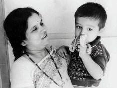 Rahul Dravid with his mother and eating a banana