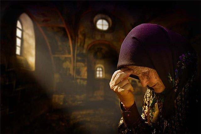 Imagini pentru batrane senine credincioase