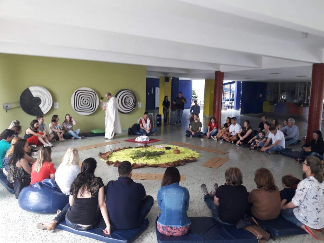 Missa Convivium em Curitiba para apresentar a proposta do Retiro do Advento
