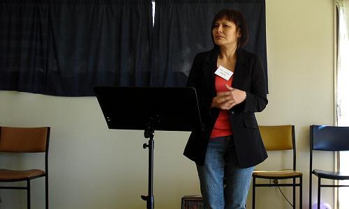 A member presenting her speech