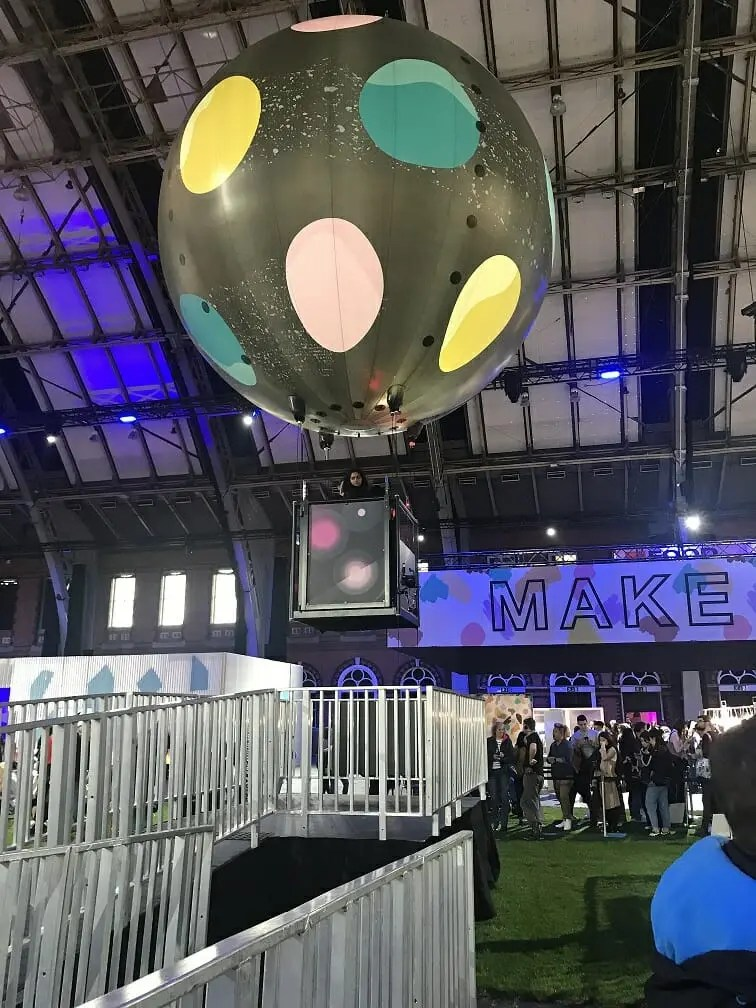 Employee engagement - Lush showcase balloon