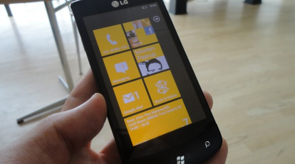 Фотографии смартфона LG E900 на Windows Phone 7 ...