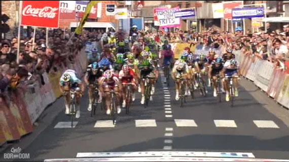 Cycleboredom | Screencap Recap: Dwars Door Vlaanderen & E3 Prijs Vlaanderen - Harelbeke - Tommeke Sprints