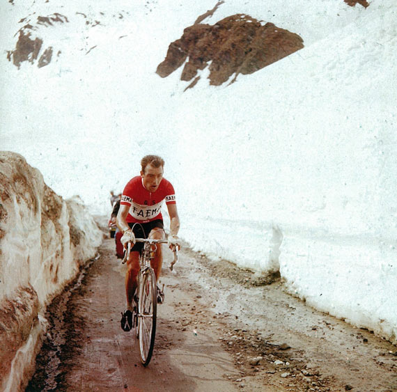 Cycleboredom | Retrofetish: Charly Gaul - The 1956 Giro d'Italia - Gaul Alone