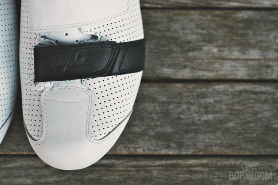 First Look: Rapha Grand Tour Shoes - The Band