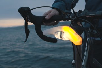 Velohub's Blinkers Smart Cycling Light