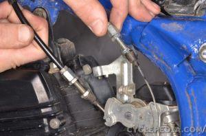 Carburetor Removal   CYCLEPEDIA Yamaha TW200 Online Manual