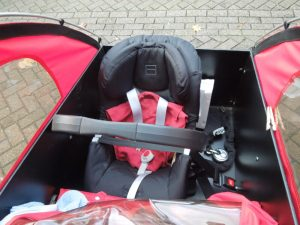 Review of Christiania cargo bike with front facing baby child car seat