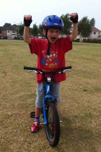 Learning to ride a bike, the Islabikes way!