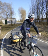 Bumper Adventure Duo Bike trailer review during family cycling holiday to holland