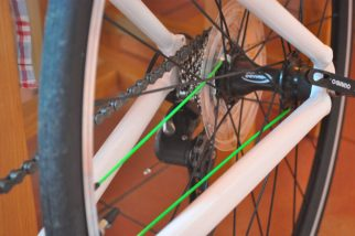 Frog Road 67 kids bike - green spokes a nice touch