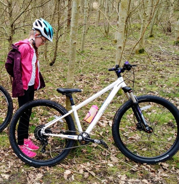 best junior mountain bikes - Trott MTB 1 in white