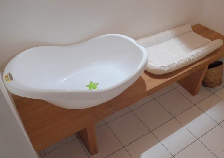 Review of family friendly accommodation in the French Alps - baby bath and changing mat included!