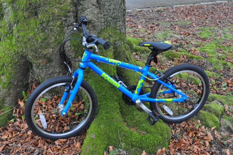 "Squish Bikes Review - the Squish 18 single speed cheap kids bike with 18"" wheels"