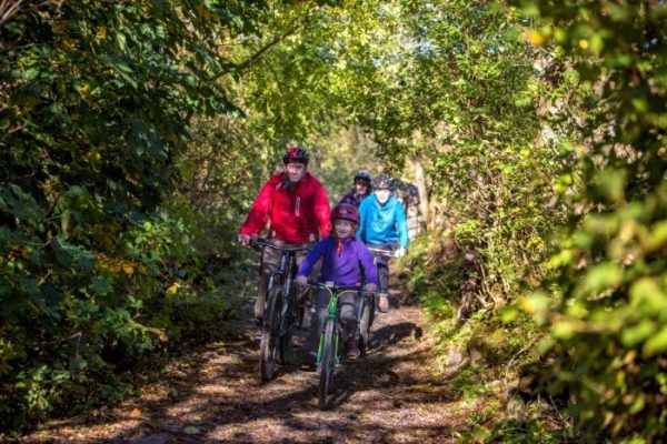 Swale Trail flatter portion for family cycling in the Yorkshire Dales MTB