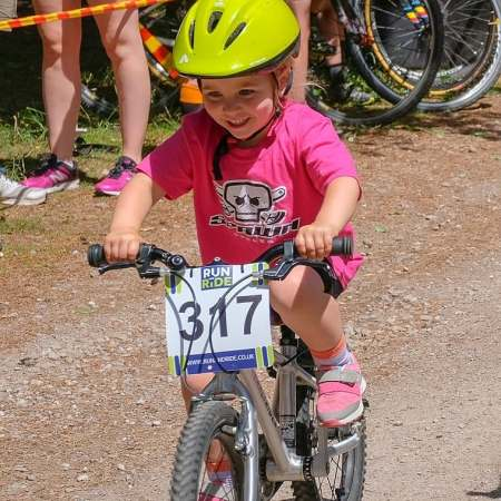 Cycle racing for girls - Arizona racing her Early Rider Bike