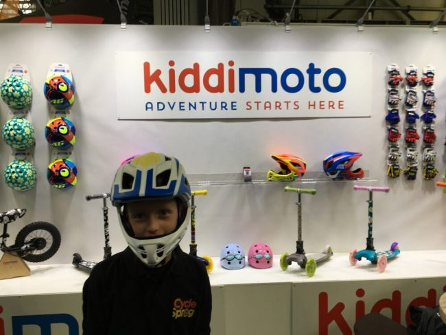 Kiddimoto full face kids helmet