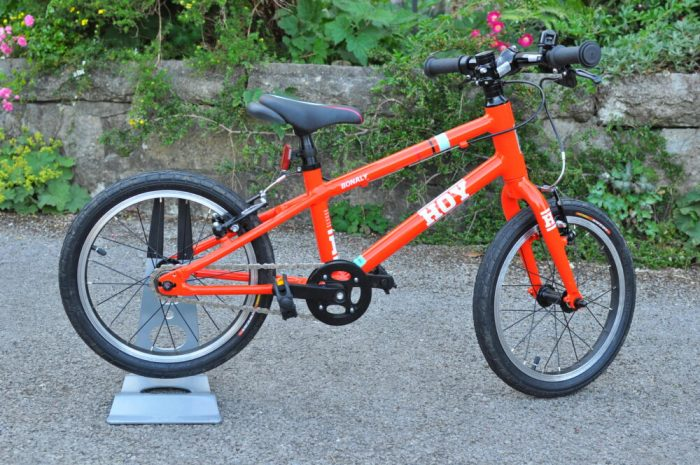 Hoy Bonaly 16 kids bike suitable for a 4 year old