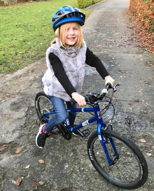 """Hoy Bonaly 20 review - a 20"""" wheel childs bike for a 6 year old or 7 year old using gears for the first time"""