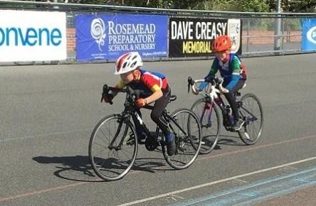 Kids racing at Herne Hill Velodrome