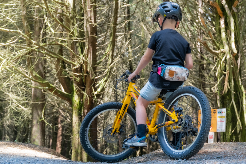 Shotgun Kids MTB Hip Pack for storing MTB tow rope for pulling kids bike behind you up a hill