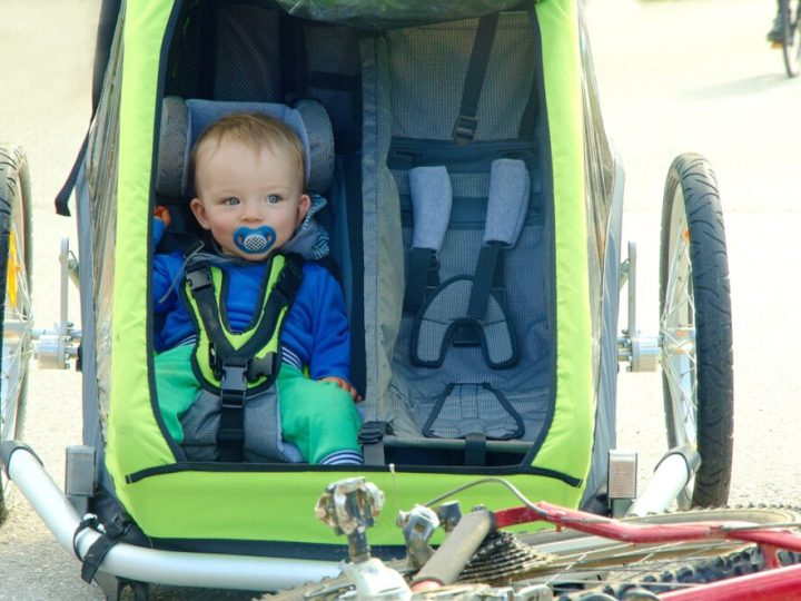 How-to-start-cycling-with-a-smal-child-in-a-bike-seat-cargo-bike-or-trailer