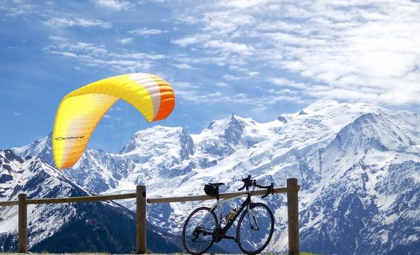 Mont Blanc and a Parapenter