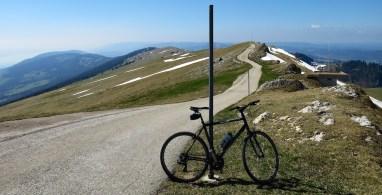 The top ridge. Tower is behind me. Col 1 km ahead