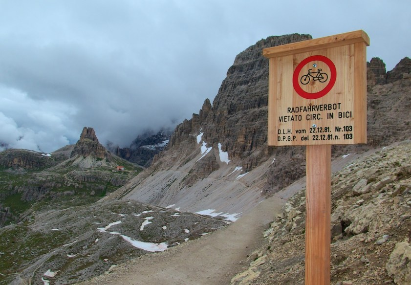 Forcella di Lavaredo - no bikes past here