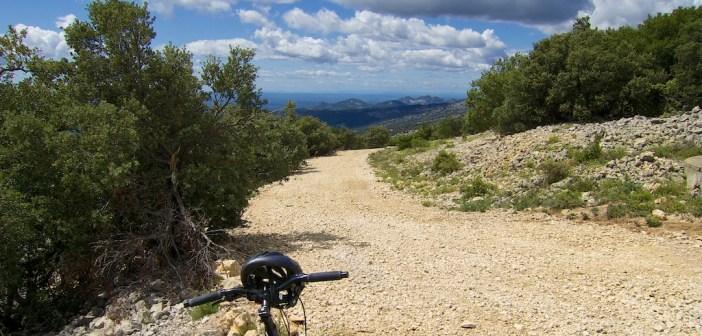 "early slopes -- ""secret"" unpaved route"