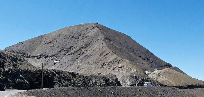 The Col below, loop road to Cime above