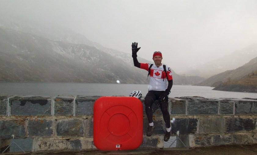 On the dam. Lac de Bissorte.